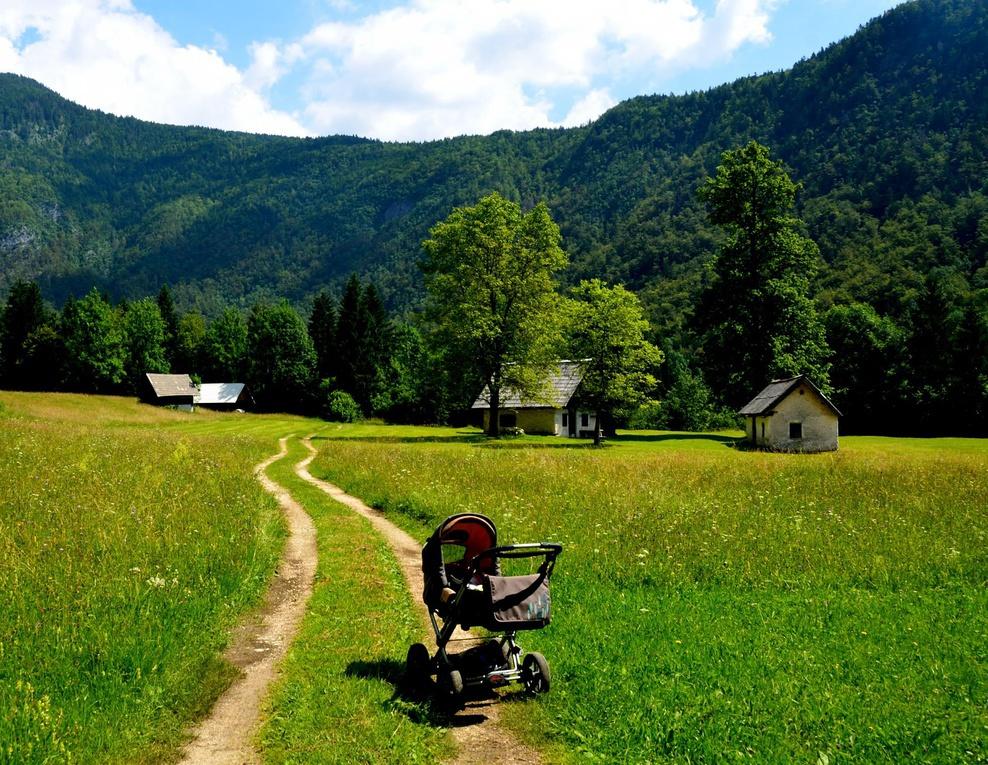 Túra Júlske Alpy - údolie Voje s kočíkom Júlske Alpy v Slovinsku sú  nádherné. Krásne túry e4aa1d338c0